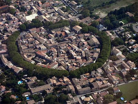 village Bernis